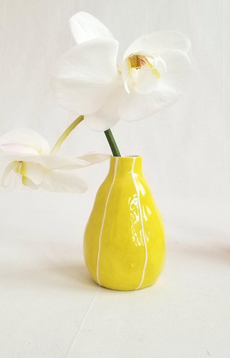 Small vase. Handmade ceramic. Organic form Chartreuse