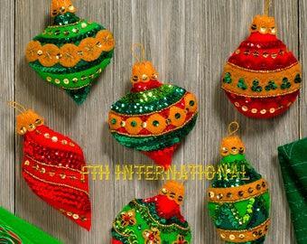 681131cfc3d Bucilla Glitzy Ornaments ~ 6 Pce Felt Christmas Ornament Kit  86725