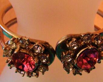 Vintage clamper bracelet gold tone and rhinestone