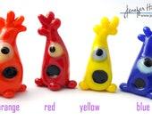ME-ME--Pick Me! Glass VOLUNTEER - Sculpture/Miniature/Mascot/Marker/Pawn made Jenefer Ham Board Game