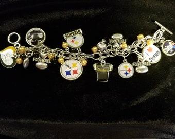 Pittsburgh Steelers silvertone charm bracelet