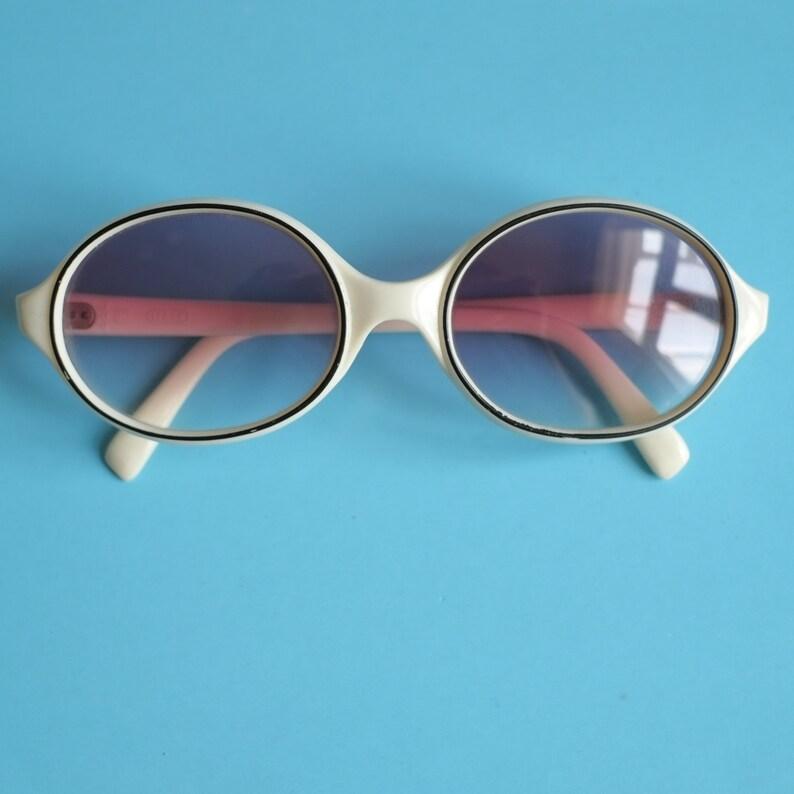 2ffaf21105d Oval White Vintage Sunglasses   Vintage 80s Glasses Frames