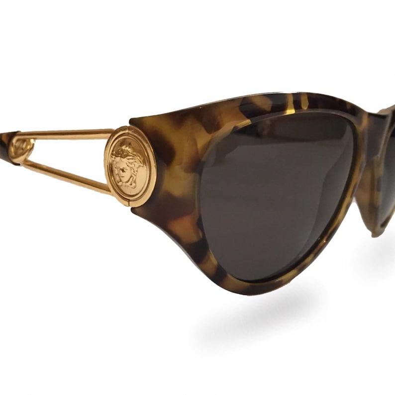 6d3d2251bf6de Gianni Versace 427 Vintage Sunglasses / 90s Tortoise Shell Sunglasses /  Womens Sunglasses / Oversize Sunglasses / Gold / Rihanna Sunglasses