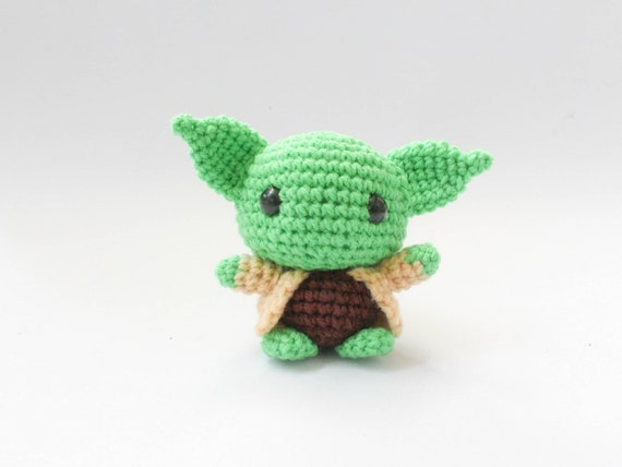 Ravelry: Yoda pattern by Lucy Collin | 428x570