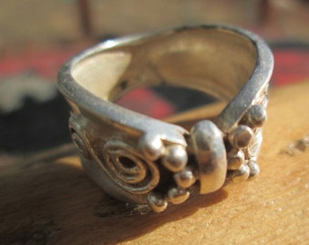 Ornate Sterling Silver Band Ring Size 6.5