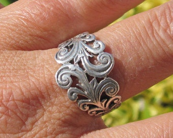 Ornate Sterling Ring Size 8.75