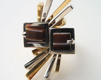 1970's Vintage 18k Yellow and White Gold Banded  Agate Sunburst Statement Ring Mid Century