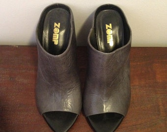 1ba46e5cfe26 grey leather slip on heels funky abstract grunge 90s retro vintage size 37