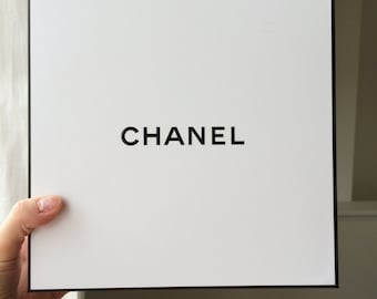 3c316ff2d6a5 Authentic Chanel gift box/ Medium size/ Chanel box/ Chanel gifting