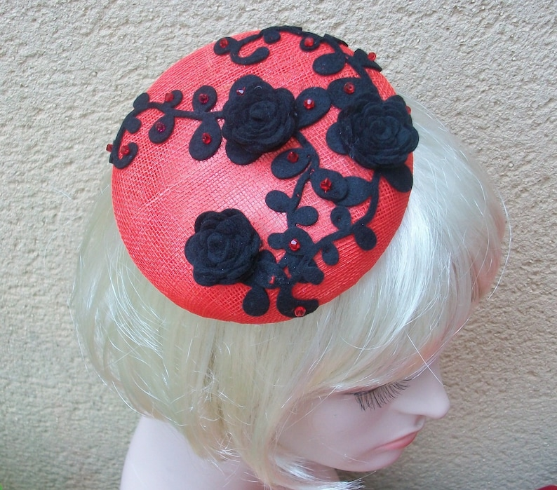 Party Fascinator Hair Clip Pillbox Hat Cocktail Kentucky Derby Hat for Ladies Red