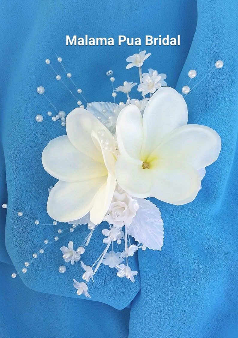 hair flower hair clip Beach Silk flower Fascinator Tropical headpiece Fascinator Hawaiian Plumeria hair piece Custom flower clip