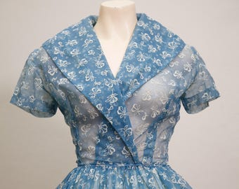 1950s blue floral dress / flocking / full skirt