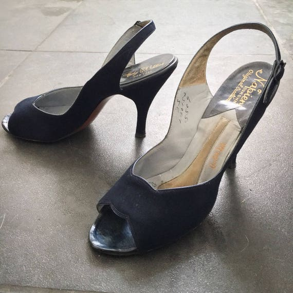 1950s navy blue shoes / 50s vintage womens heels