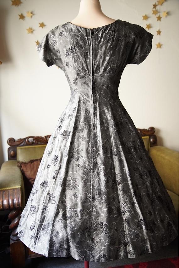 1950s full skirt dress with black flocking - image 5