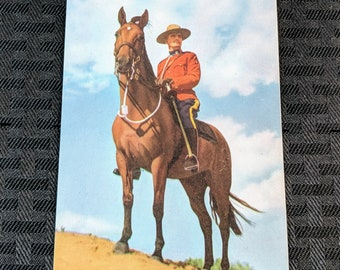 Lot of 19 Vintage CANADIAN CANADA postcards Expo  Mounted Police #26-g