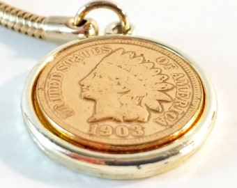 Vintage 1902 Indian Head Penny Key Fob on Gold Tone Chain with Lobster Ring. Zipper Charm. Collectible Memorabilia. Coin Pendant.