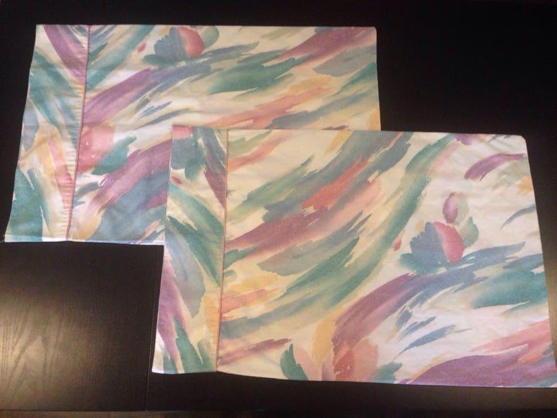 Hippie Bohemian Flower Vintage Floral Slash Pastel Colors Pillowcase Set of 2