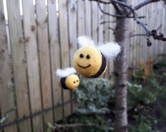 Needle felted smiley bee decoration with hanging loop, felted bee, handmade bee Save the bees. Bee gift. Rear view mirror hanger