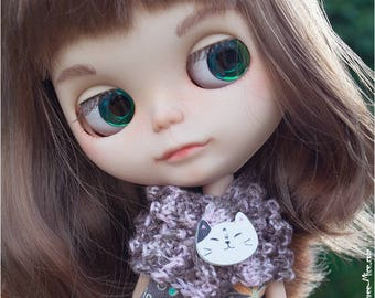 Soft bamboo scarf with cat-button for Blythe, Azone Pure Neemo
