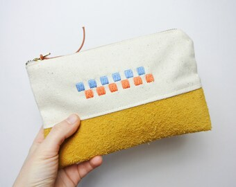 Purse with hand embroidered detail / Suede and Canvas
