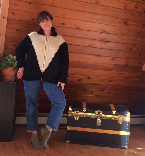 Vintage 1950s 1960s Hand Knit Wool Curling Sweate… - image 2