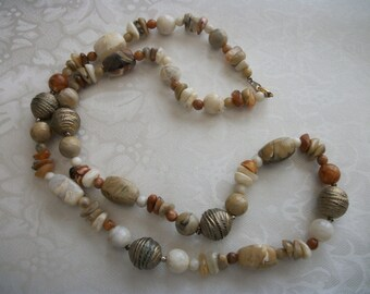Vintage Chunky Earth Tones Necklace / Lucite Beads / Gold Tone / Women / Retro / Holiday / Christmas / Gift / Mom / Collectible / Designer