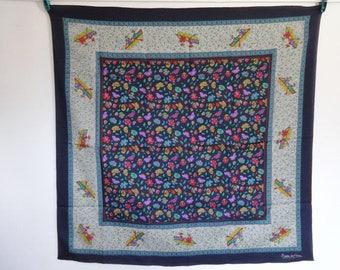 """Vintage Betgete de France flower oriental scarf 74cm x 75cm 29.1"""" x 29.5"""""""