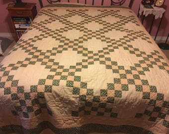 Estate Sale Quilt Irish Chain with Embossed Flower cb5ee5cb0