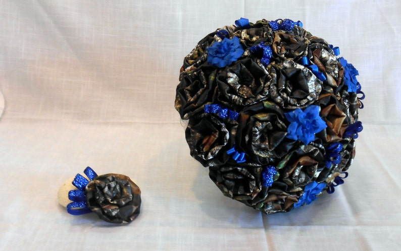 Mossy Oak Fabric Bouquet with Blue Accents