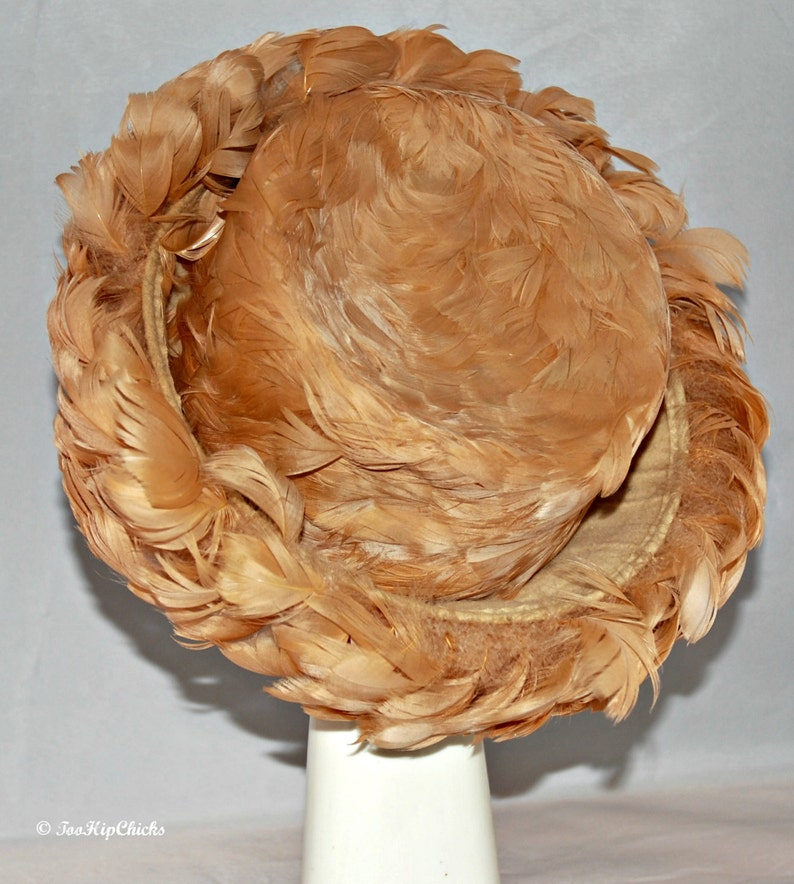 7375a201577 Vintage Lady s Pink Flamingo Feather Hat Mullinax Inc.