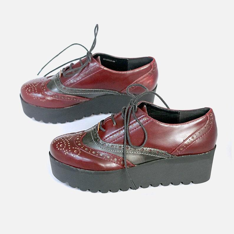 3b691f3156a4d US size 7 EU 37 womens oxfords platforms burgundy red black chunky platform  OUTSIDER vintage 90s 1990s shoes streetwear hipster preppy mod