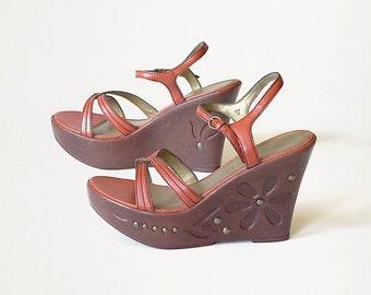 platform wedges sandals brown orange leather studded embossed decorative platforms vintage 80s 1980s Lower East Side size womens US 7.5