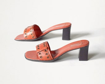 womens shoes size 7 mod vintage 90s 1990s orange leather slides open toe medium heel sandals mules made in Brazil size US 7