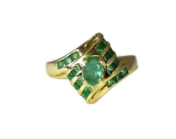 14k Gold Emerald Ring Gorgeous Setting, May Births