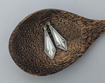 Sterling Silver Vintage Kite Earrings // Geometric Himalayan Nepal Earrings // Unique Minimalist Polygon 1980s Nepal Jewelry