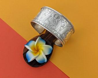 Five Buddha Tibetan Vintage Cuff // Nepal Pancha Buddha Sterling Wide Cuff // Master Vintage Incised Buddhist Cuff Bracelet