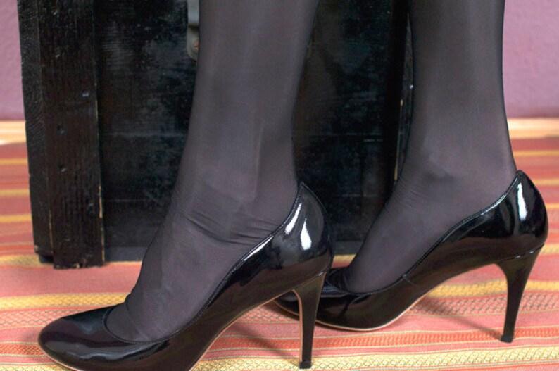5052527b701 Run-resistant ff seamed stockings  Sanda  40den