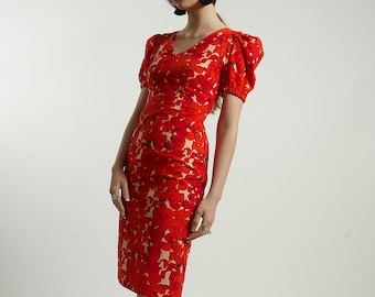 Fitted cotton dress with short sleeves in orange flower handmade  print pattern