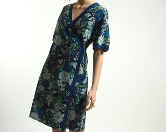 Wrap mid dress in cotton and floral  Blue Print with Pockets