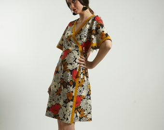 Wrap mid dress in cotton and floral Print with Pockets