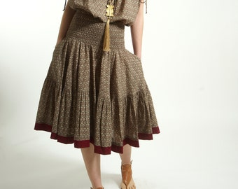 Free size full circle skirt with pocket handmade  in cotton and Block Print in Beige