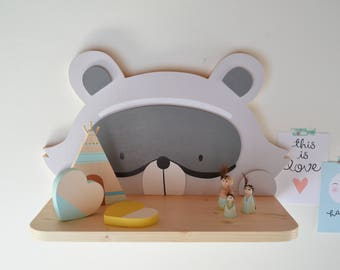 Shelf for gifts and children's bedrooms raccoon