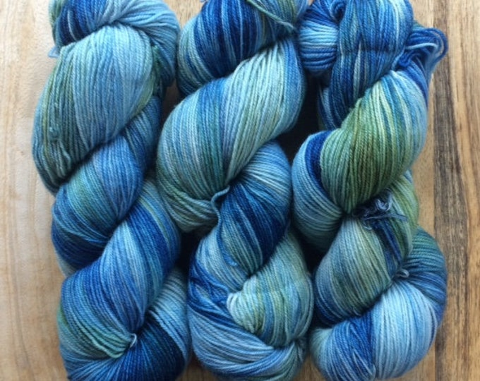 MYOGA Hand Dyed 4ply Superwash - 'Frog Pond'