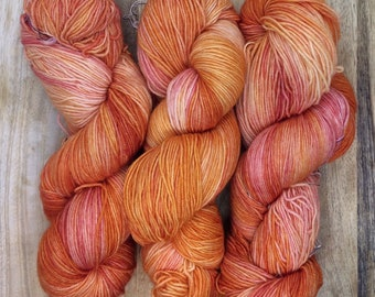 MYOGA Hand Dyed 4ply Superwash -'Tequila Sunrise'
