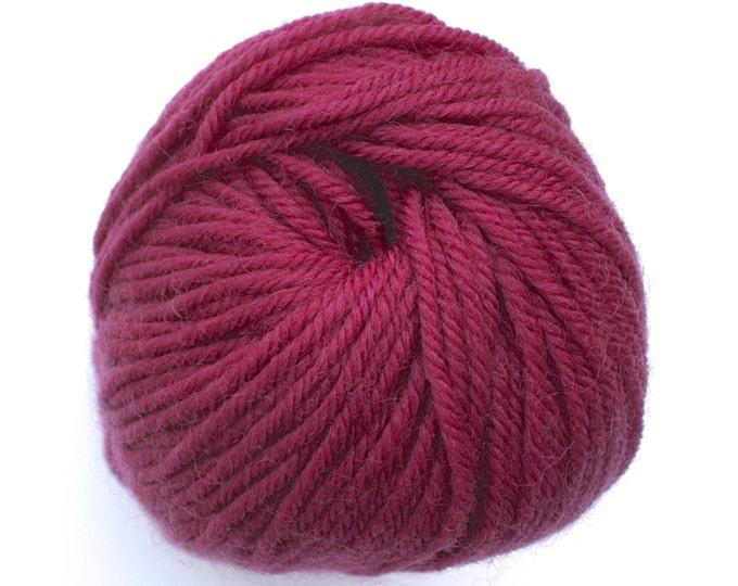 Staples  - 804 Dark Rose 100g  - 100% Merino - 177m/100gm