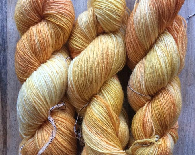 MYOGA Hand Dyed 4ply Superwash - 'Freerange'