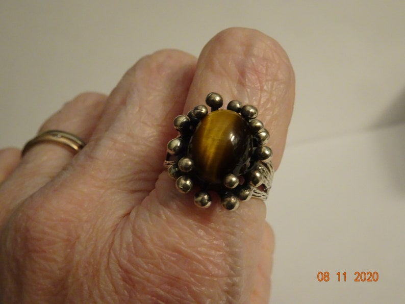 size 8 Unisex Design Sterling Silver and Tiger/'s Eye Ring