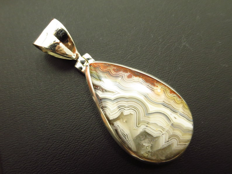 Laguna Lace CL42 Crazy Lace Agate Pendant set in 925 solid sterling silver Cabochon natural gemstone Unisex pendant grey Chalcedony