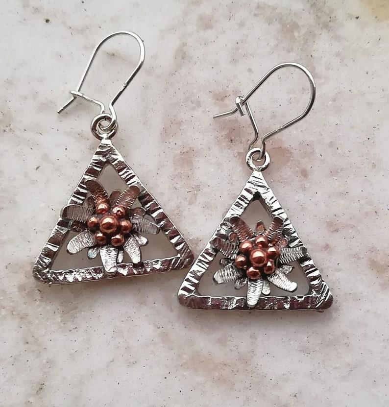 da25a069220c Pendientes edelweiss con marco triangular