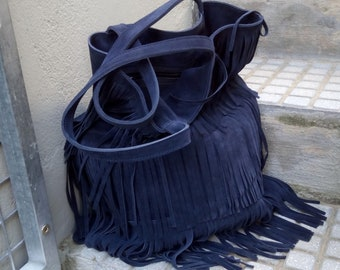 Suede leather tote with fringes, in blue
